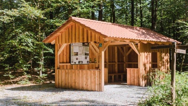 Schutzhütte im FriedWald Schwanberg, Foto: FriedWald